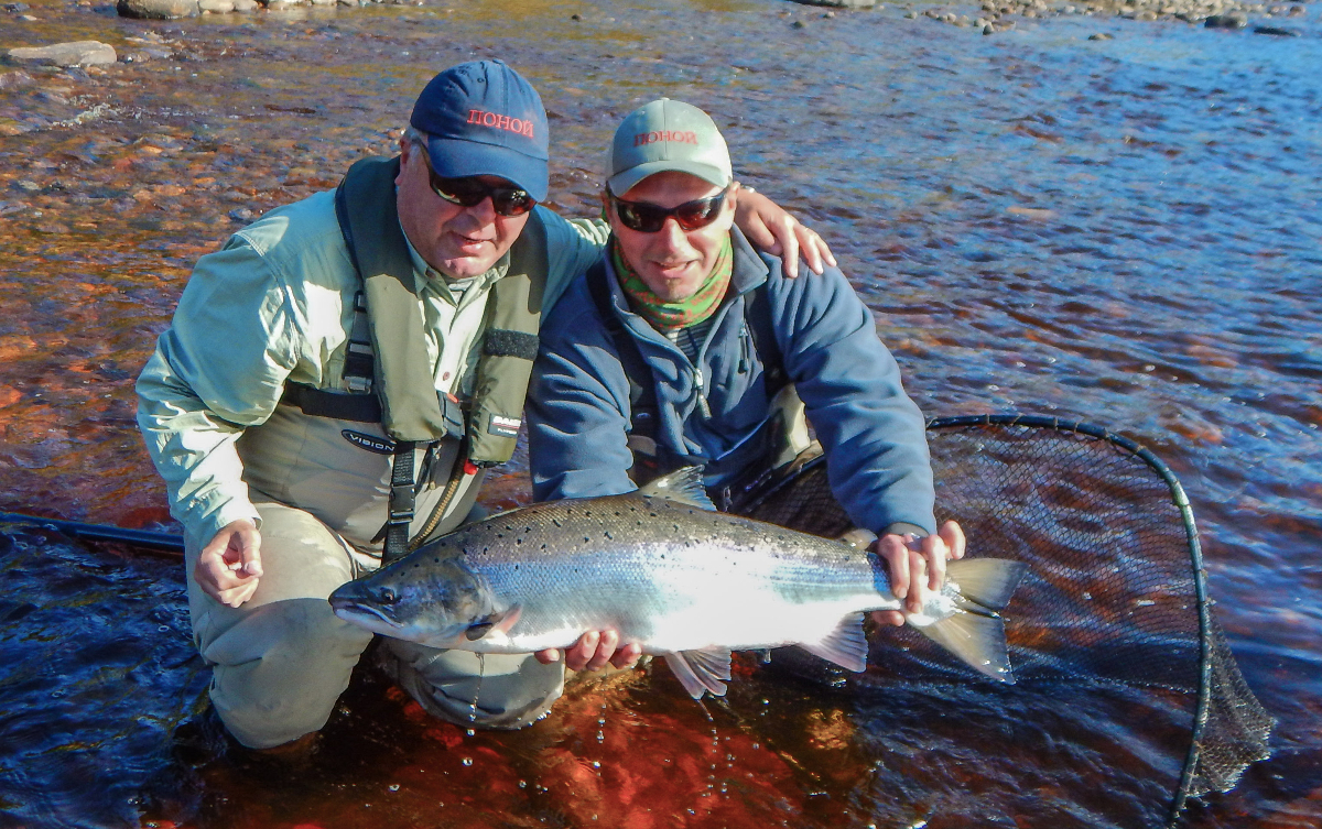 Ari, guide Andrei and an 18 lbs